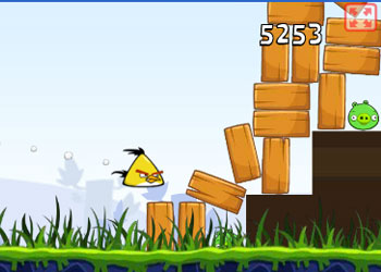 Play Angry Birds online - Screenshot 2