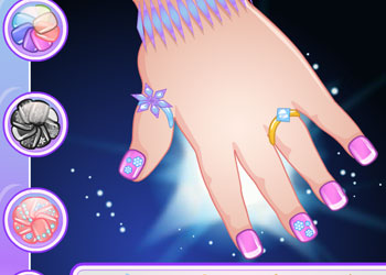 Play Baby Elsa Great Manicure online - Screenshot 2