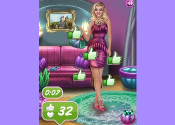 Play Fabulous Fashionista Dress Up online - Screenshot 2