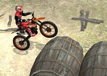 Play Moto Trials Industrial online - Screenshot 1